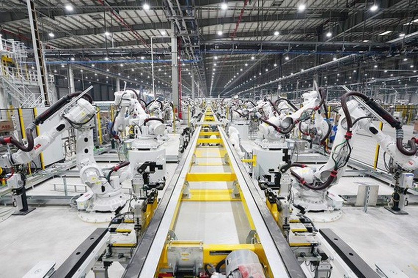 IIP merely increases 1.8 percent in July ảnh 1