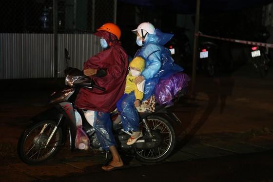 Dong Nai escorts 900 workers returning to Dak Lak by motorbikes ảnh 7