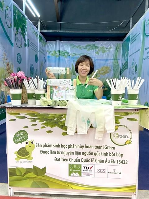 Bioplastic start-up begins green journey ảnh 3