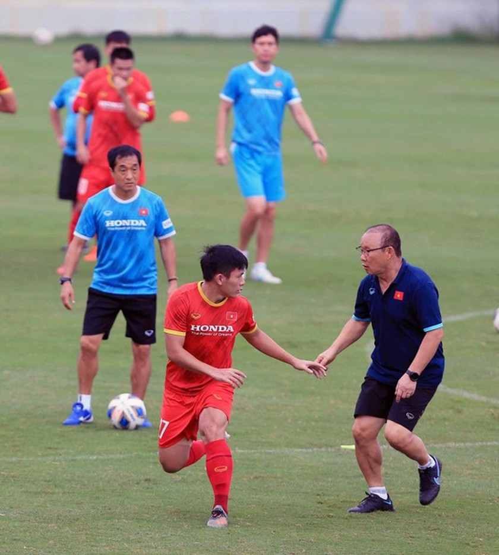 Vietnam faces crisis in defense in match against Australia ảnh 2