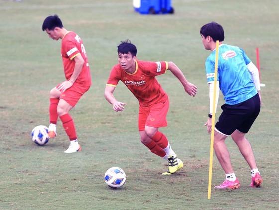 Vietnam faces crisis in defense in match against Australia ảnh 1