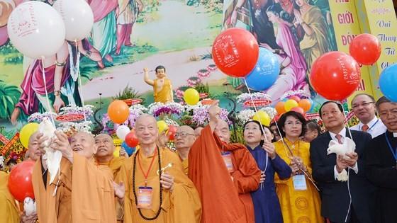 Phật giáo Việt Nam có nhiều đóng góp quan trọng vào sự phát triển của đất nước ảnh 8