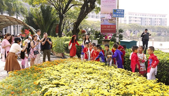 Hội chợ hoa xuân Phú Mỹ Hưng Tết Kỷ Hợi: Hoa và cuộc sống ảnh 1
