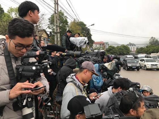 North Korean leader Kim Jong Un arrives in Dong Dang Train Station ảnh 15