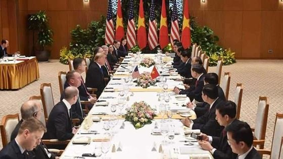PM Nguyen Xuan Phuc meets US leader ảnh 10