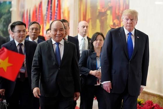 PM Nguyen Xuan Phuc meets US leader ảnh 4
