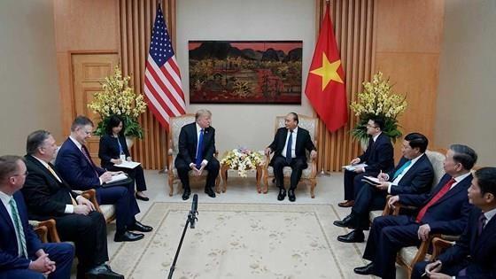 PM Nguyen Xuan Phuc meets US leader ảnh 7