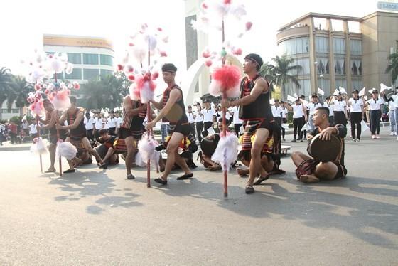 The 7th Buon Ma Thuot coffee festival kicks off with street festival ảnh 3