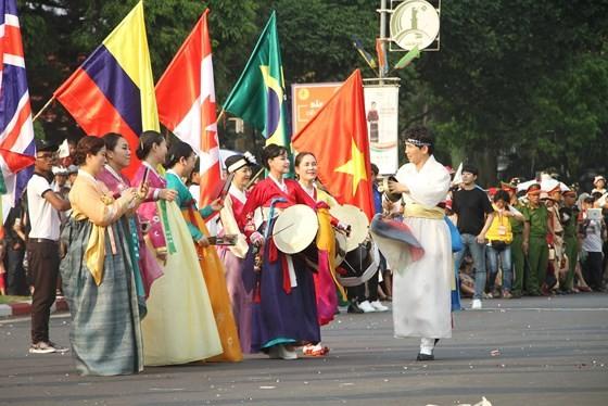The 7th Buon Ma Thuot coffee festival kicks off with street festival ảnh 7