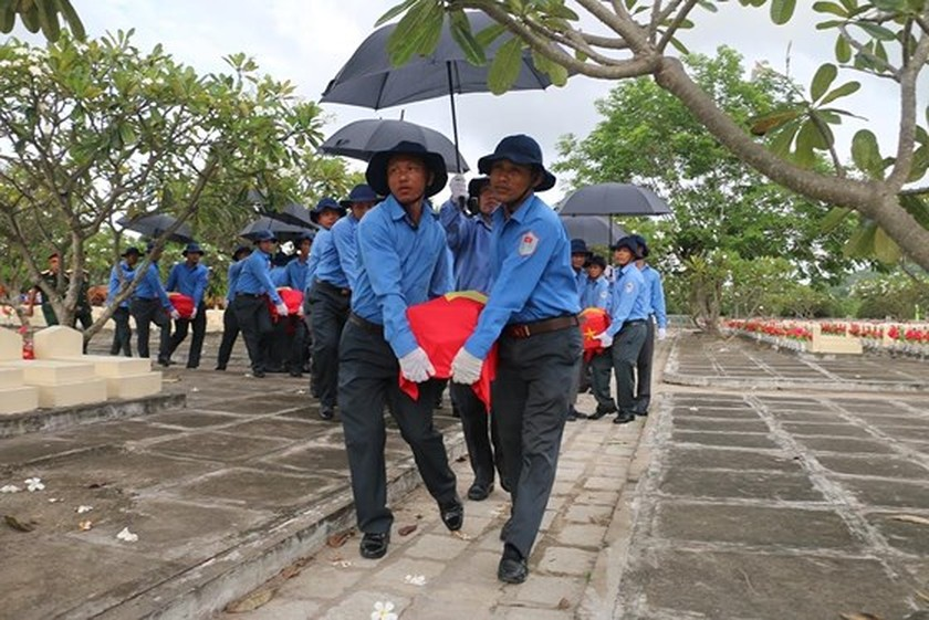 Ha Tinh province celebrates 51st anniversary of Dong Loc T-junction ảnh 24