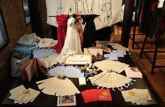 Int'l Silk - Brocade Festival 2019 opens in Hoi An ảnh 3
