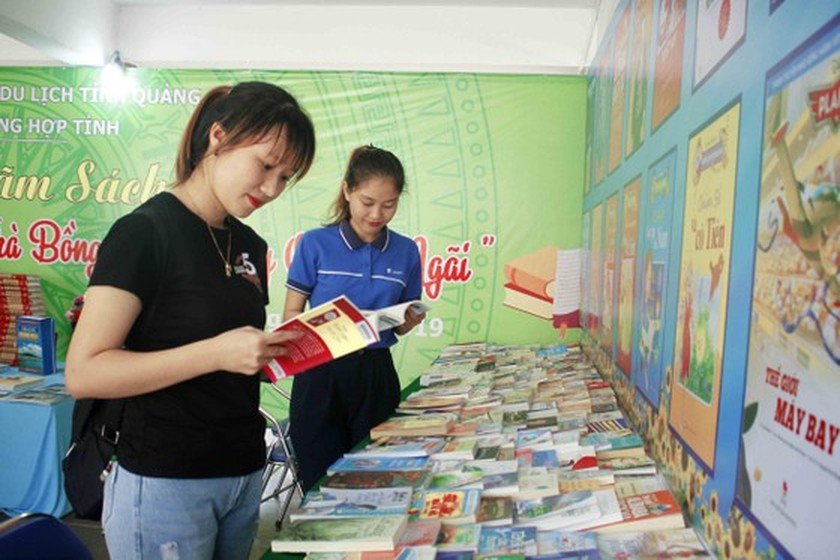 Art exhibition on Tra Bong district, western Quang Ngai opens ảnh 5