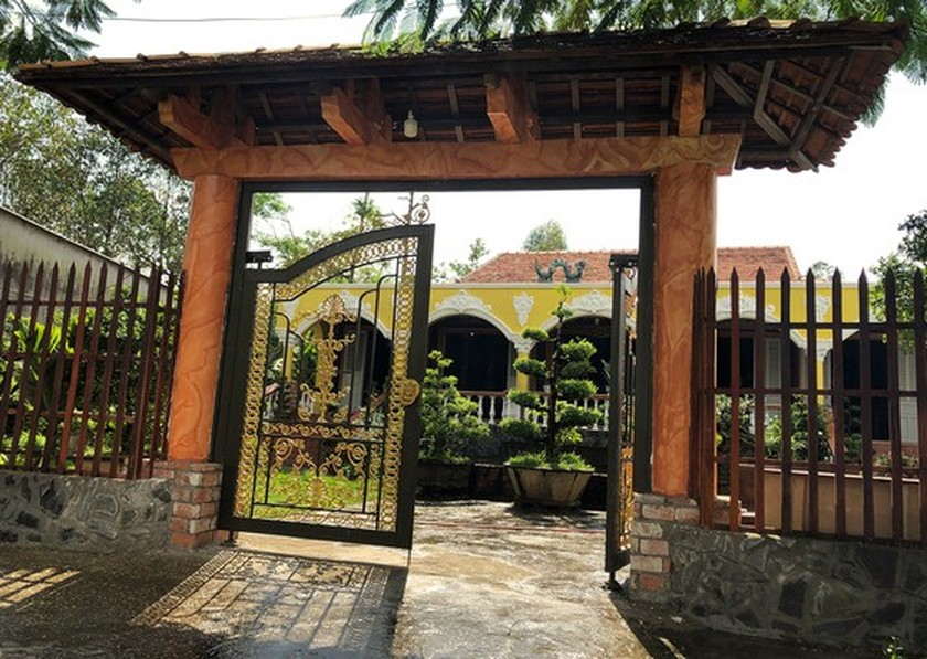 House of traditional Southern style antiques in Mekong Delta ảnh 1