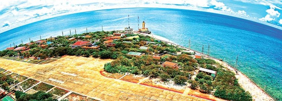 Photos feature beauty of Vietnam's sea, islands ảnh 1