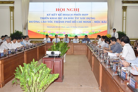 HCMC, Tay Ninh sign cooperation agreement to build HCMC-Moc Bai expressway ảnh 2