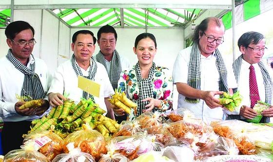 5th Ben Tre Coconut Festival opens ảnh 5