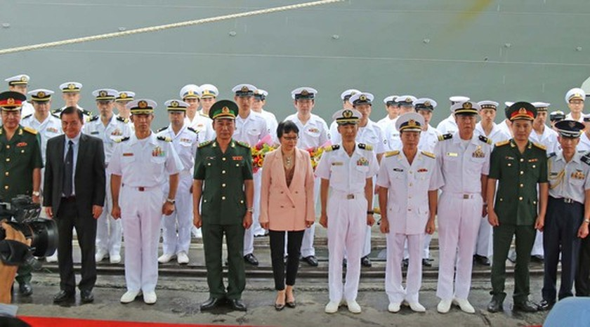 Japanese navy minesweepers arrive in Da Nang city ảnh 2
