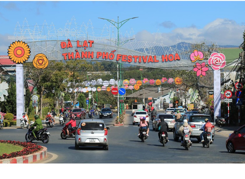 Lam Dong province ready for upcoming Da Lat Flower Festival ảnh 1