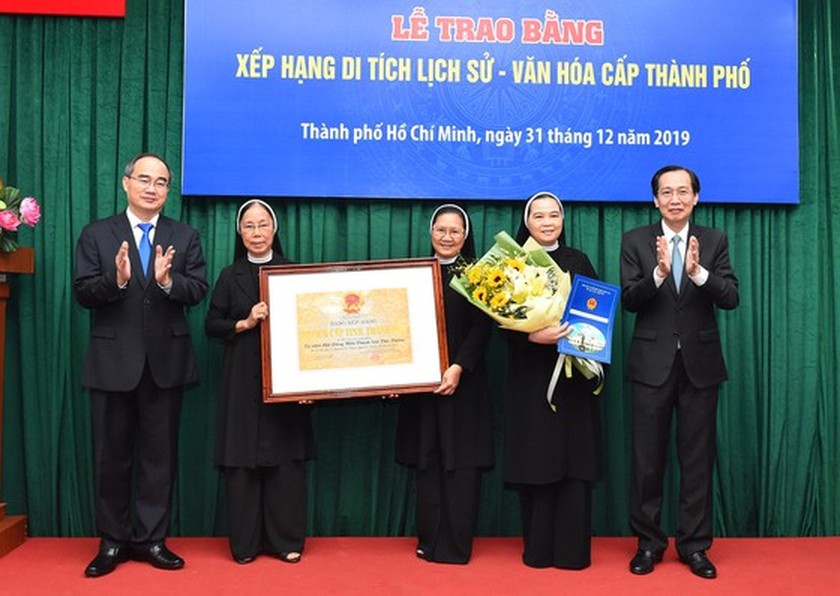 HCMC's ancient architectural works receive historic-cultural relic certificates ảnh 1