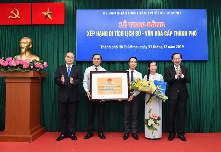 HCMC's ancient architectural works receive historic-cultural relic certificates ảnh 2
