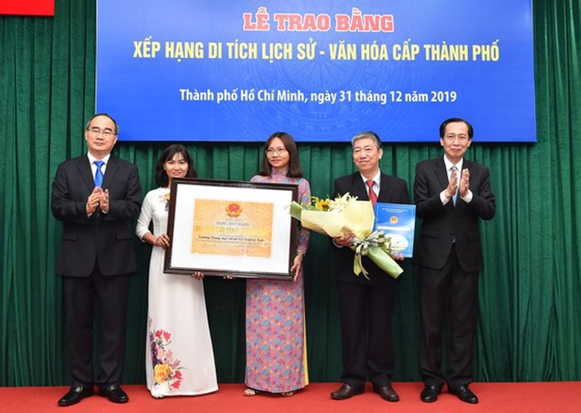 HCMC's ancient architectural works receive historic-cultural relic certificates ảnh 3