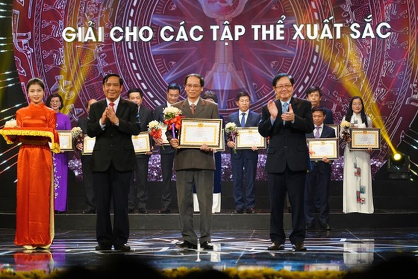 Sai Gon Giai Phong Newspaper wins four prizes at Bua Liem Vang Press Award 2019 ảnh 3