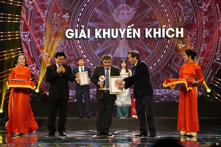 Sai Gon Giai Phong Newspaper wins four prizes at Bua Liem Vang Press Award 2019 ảnh 4
