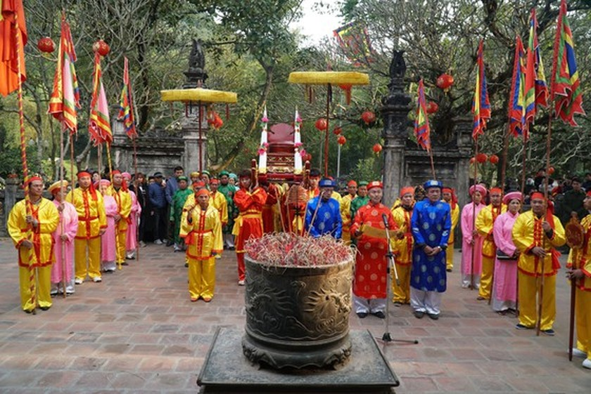 Traditional festivals commemorate national heroes, heroines ảnh 2