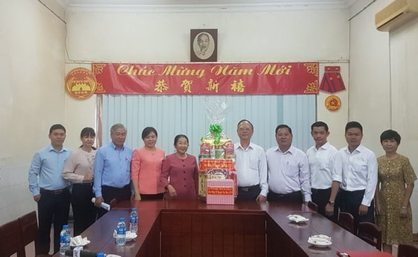 City's leader congratulates Chinese-Vietnamese community on traditional New Yea ảnh 1
