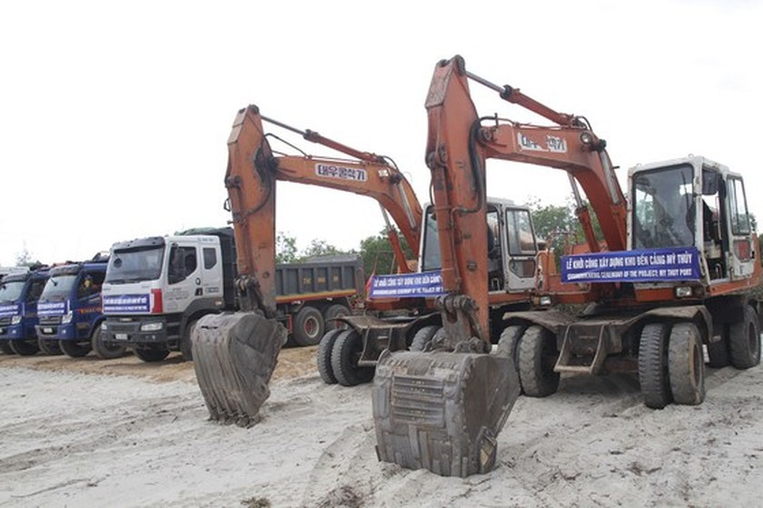 Construction of My Thuy Seaport kicked off ảnh 1