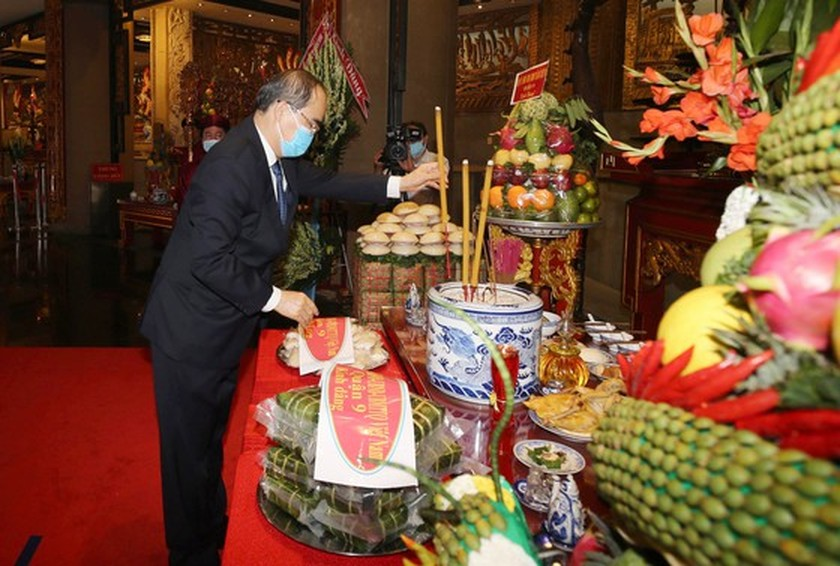 HCMC commemorates death anniversary of Hung Kings ảnh 1
