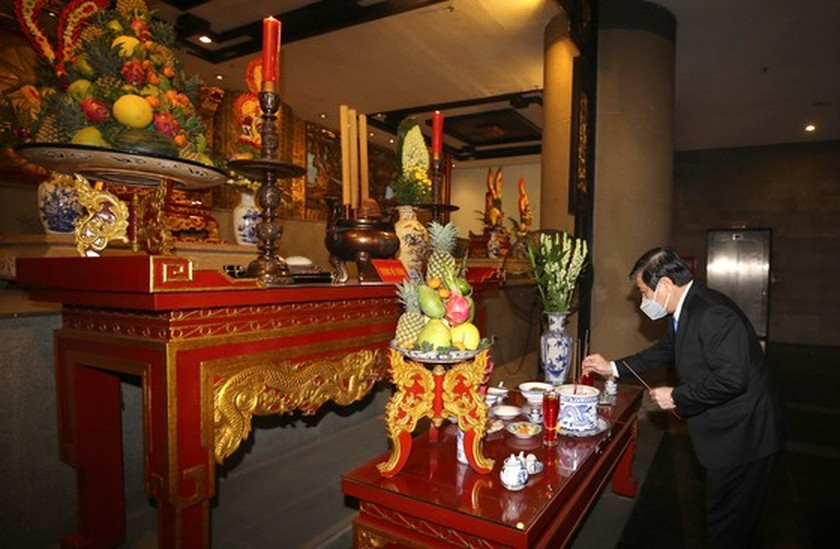 HCMC commemorates death anniversary of Hung Kings ảnh 2