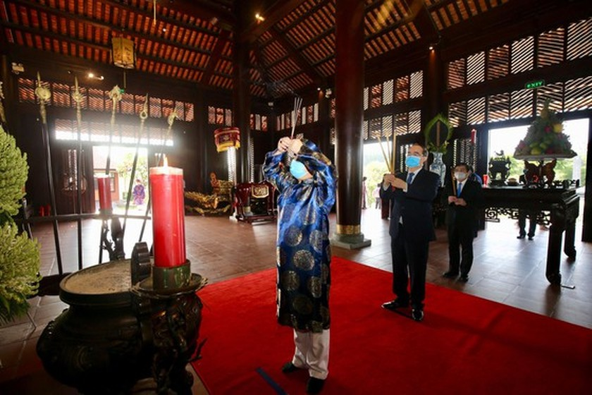 HCMC commemorates death anniversary of Hung Kings ảnh 5