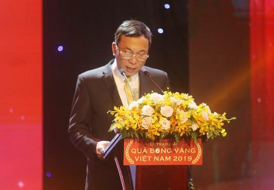 Do Hung Dung claims top honour at 2019 Vietnamese Golden Ball Awards ảnh 17