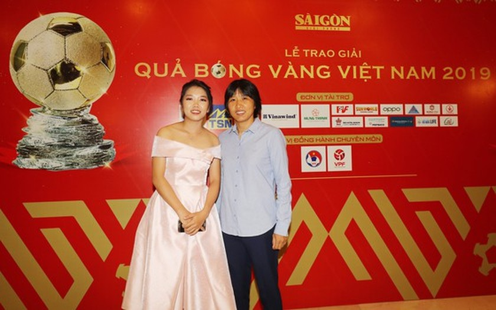 Do Hung Dung claims top honour at 2019 Vietnamese Golden Ball Awards ảnh 23