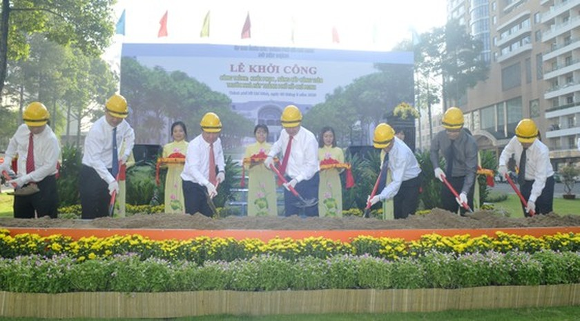 Upgrade, restore project of park in front of HCMC Opera House kicked off ảnh 2