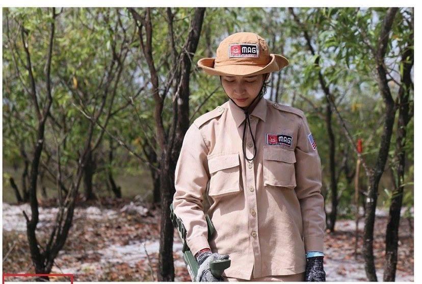 Vietnam's unique female team reclaims mine-contaminated land ảnh 3