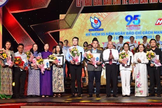 Sai Gon Giai Phong Newspaper scoops 9 prizes at HCMC Press Awards 2020 ảnh 4