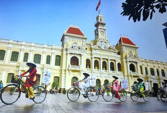 Brilliant beauty of HCMC ảnh 1