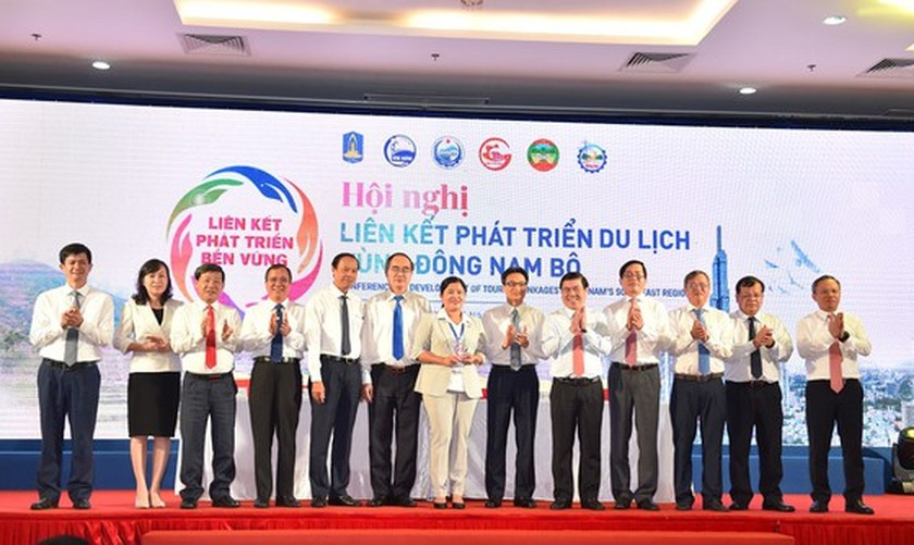 Southeast localities discuss measures to boost linkage in tourism development ảnh 3