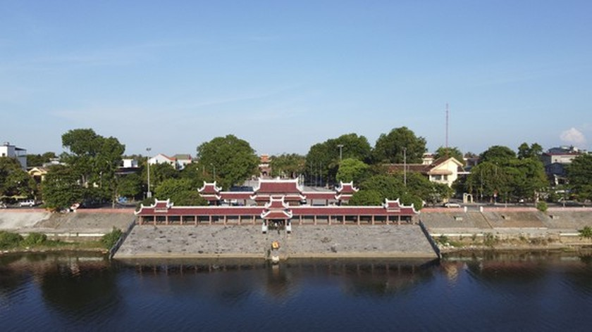 Crowds flock to Quang Tri, the land with fire and sword ảnh 17