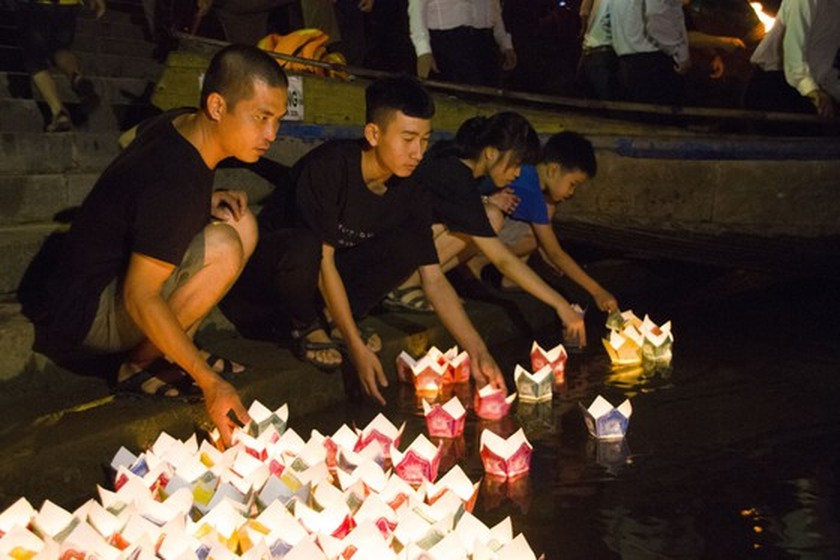 Crowds flock to Quang Tri, the land with fire and sword ảnh 18