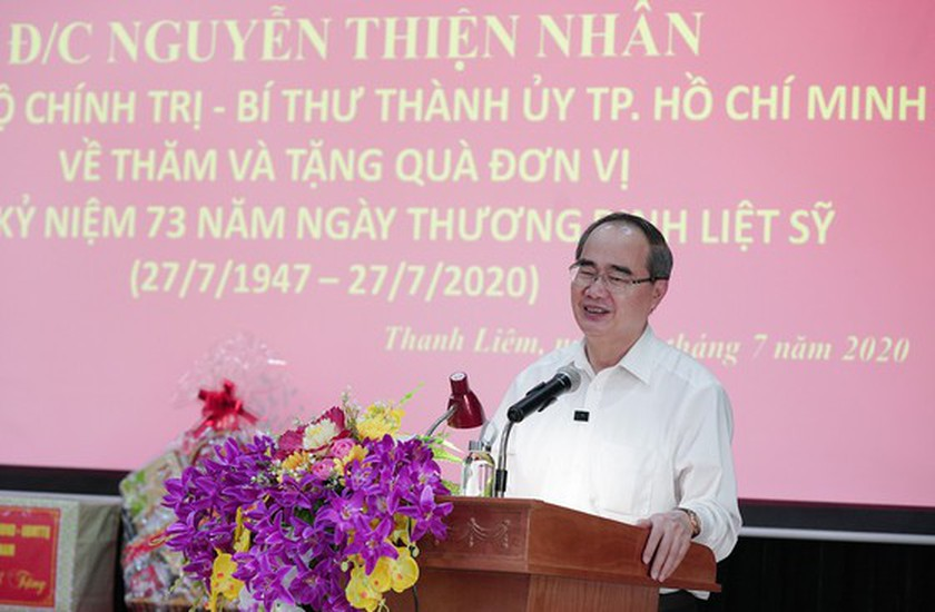 HCMC's Party, government, and people show gratitude to war invalids  ảnh 2