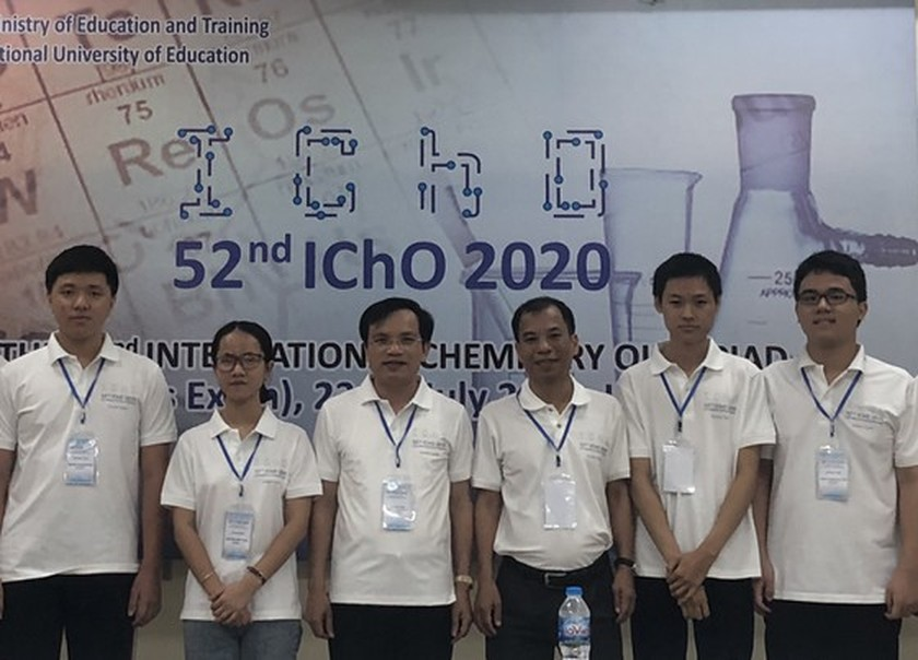 Vietnamese students win four gold medals at Int'l Chemistry Olympiad 2020 ảnh 1