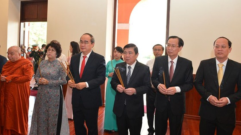 HCMC leaders express gratitude for late Presidents on National Day ảnh 1