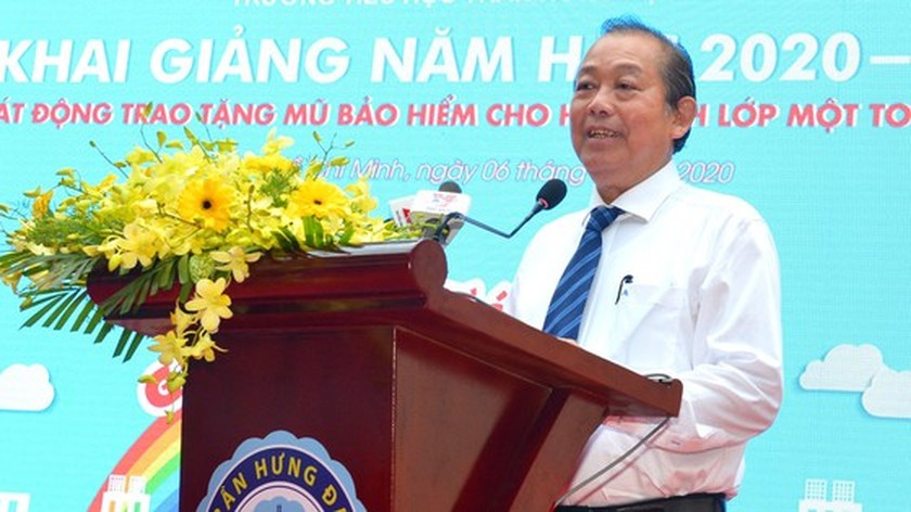 Deputy PM launches action month for traffic safety for students to go to school ảnh 2