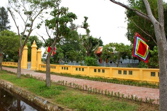 Ha Tinh celebrates great poet Nguyen Du's death anniversary ảnh 12