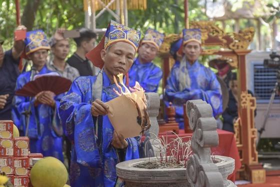 Ha Tinh celebrates great poet Nguyen Du's death anniversary ảnh 6