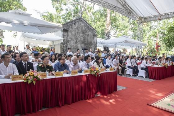 Ha Tinh celebrates great poet Nguyen Du's death anniversary ảnh 9