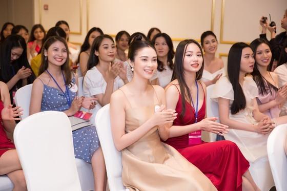30 first contestants enter Miss Vietnam 2020's semi final exam ảnh 3